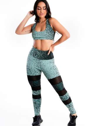 Conjunto cropped e calça legging detalhe perna tela moda fitness