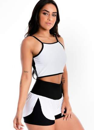 Conjunto cropped alcinha e short saia corrida preto e branco moda fitness