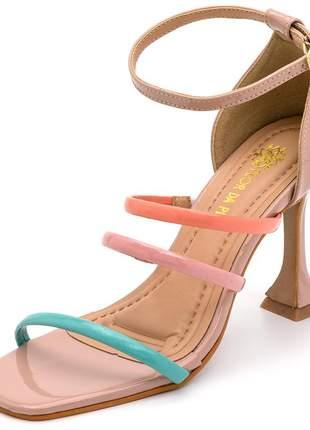 Sandália feminina salto taça bico quadrado nude e meia cana colorida