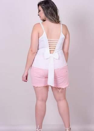 Blusa feminina plus size detalhe costas e na gola