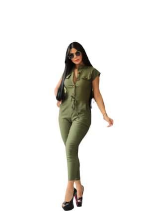 Macacão comprido com detalhe de botão bengaline moda instagram