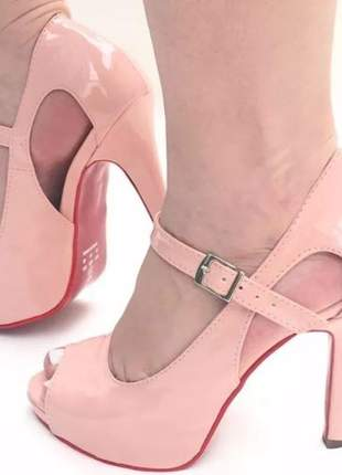 Sandália feminina rosa sola vermelha salto alto meia pata