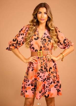 Vestido em crepe de seda com estampa animal print rosê