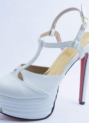 Sandália feminina inspired gucci meia pata branca sola vermelha