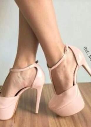 Sandália feminina rosa salto alto fino