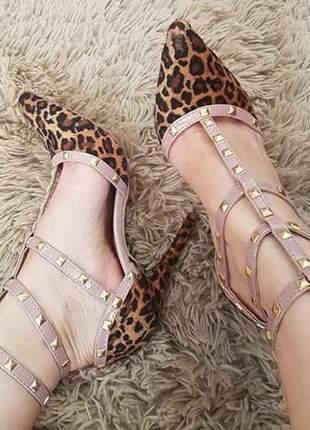 Sapatos femininos scarpins animal print com spikes