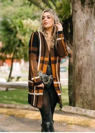 Nesse friozinho fique elegante kimono marrom e caramelo