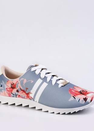 Tenis moleca azul floral solado emborrachado ultra confortavel