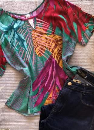Blusa estampada plus size