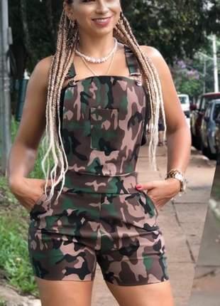 Jardineira short camuflada exército feminina