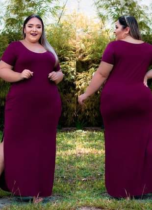 Vestido plus size longo fenda decote redondo manga curta