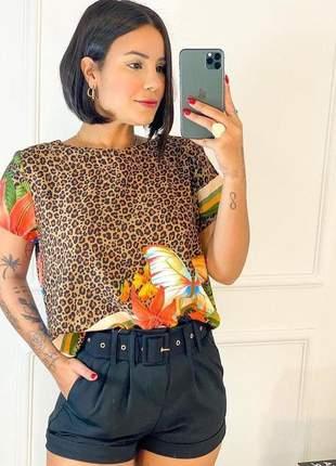 Blusa manga curta borboleta estampado de animal print queima de estoque
