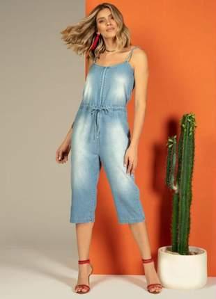 Macacão feminino pantacourt jeans claro amarração