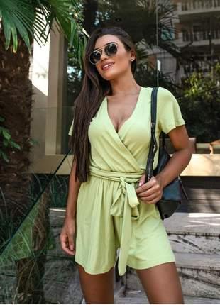 Macaquinho transpassado feminino em malha canelado com faixa cintura macacão moda verão