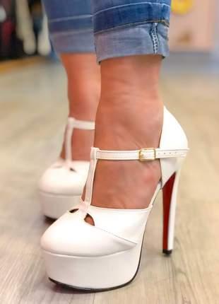 Sandália alta meia pata branca
