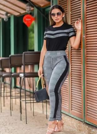 Conjunto de calça e blusa