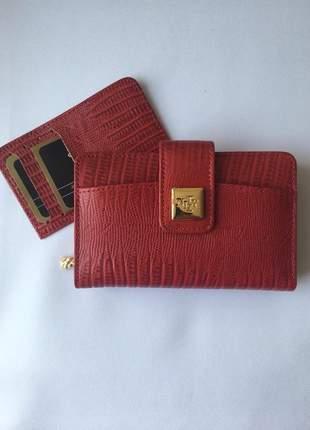 Carteira em couro legítimo com fechamento em botão pressão acompanha porta cartão mod 079