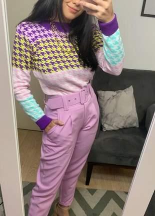 Calça social feminina alfaiataria com cinto encapado forrado lavanda lilás