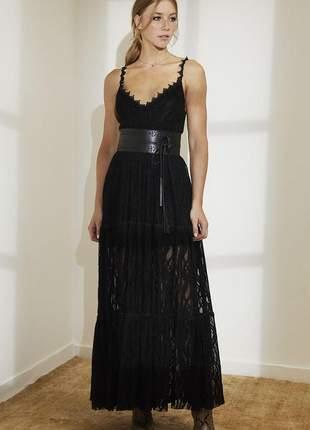 Vestido longo de renda arabesco com cinto preto