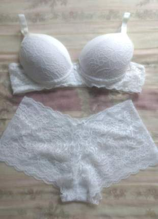 Conjunto de lingerie em renda