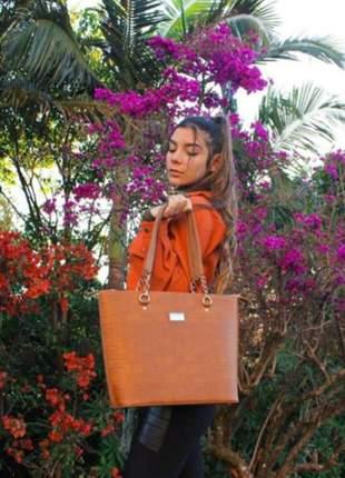 Bolsa grande para todas ocasiões - estilo elegante casual, fino acabamento, cor caramelo.