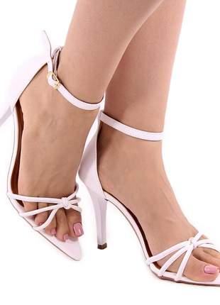 Sandália zhaceci salto alto folha branco
