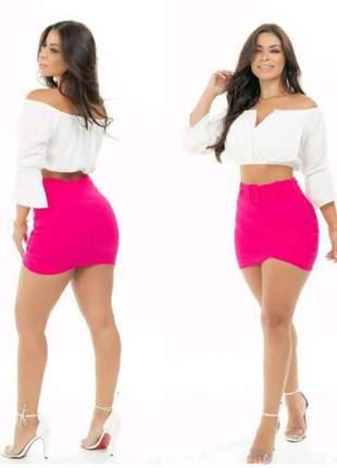 Shorts saia com cinto falso