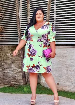 Vestido curto moda plus size