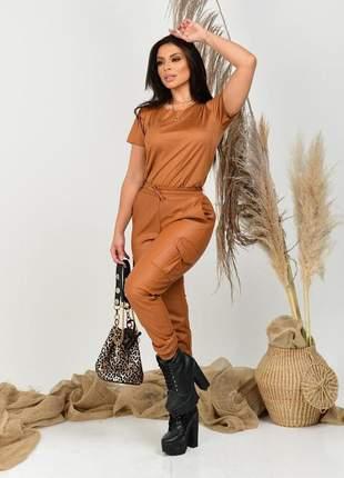 Calça cargo feminina de couro