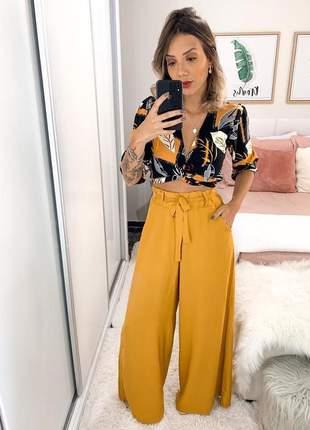 Calça pantalona cintura alta cor mostarda