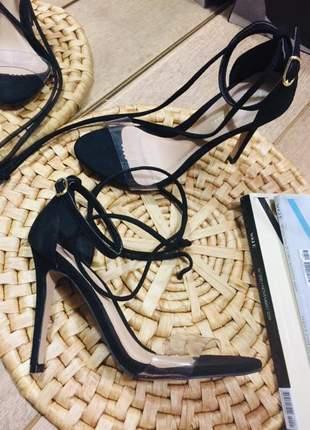 Sandália fina com transparência vinil e duas opções de amarrações