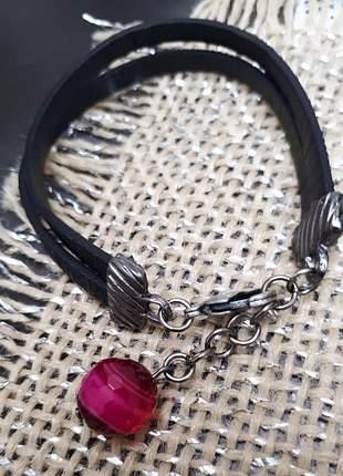 Uma clássica pulseira de couro preta com pingente de jade pink #bracelete de couro