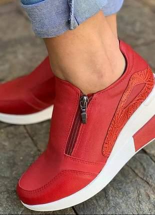 Tênis salto, vermelho, zíper, couro, plataforma