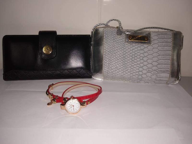 El Kit de cartera, la cartera y el reloj