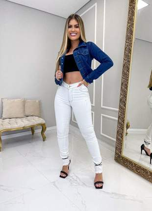 Jaqueta jeans feminina pelo manga e gola pelucia botões encapados