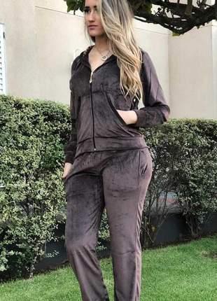 Conjunto plush feminino com gorro luxo plus size
