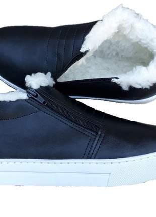 Tênis botinha casual feminino forrado com lã pelo flatform preto