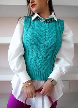 Colete em tricot trançado