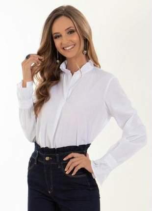Camisa branca babado na manga e gola