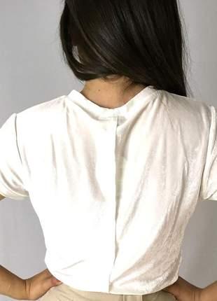 Camiseta veludo com recortes