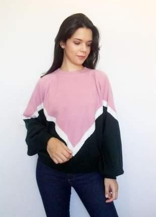 Suéter feminino em tricô verde e rosa