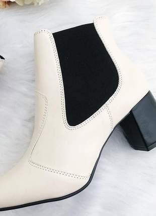 Bota angelina fun store off white bege elastico preto confortavel cano baixo