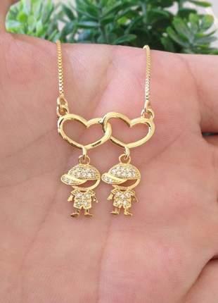 Gargantilha dia das mães coração dois filhos folheado a ouro