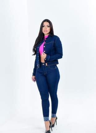 Conjunto feminina calça e jaqueta jeans gola padre