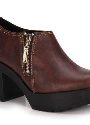 Sapato Moleca Tratorado Pinhão 5647.102