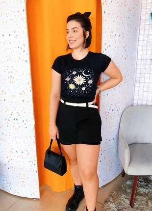 Blusa camiseta t-shirt estampada planetas e flores malha