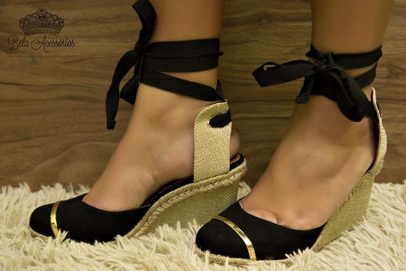 009411716 ... Sandália anabela preta com dourado plataforma3. Sandália anabela preta  com dourado plataforma. R$ 159,90