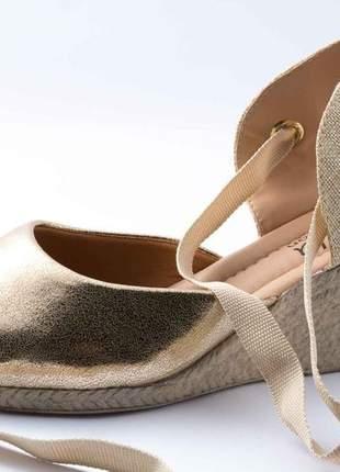Sandália feminina anabela plataforma dourada