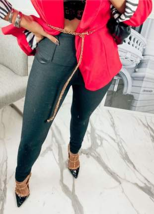 Calça skinny preta modeladora comfort