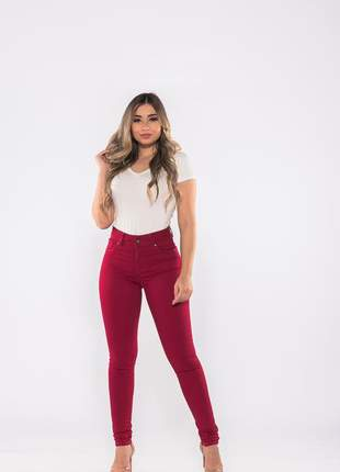 Calça feminina cintura alta skinny slim sarja levanta bumbum lycra e elastano vermelha